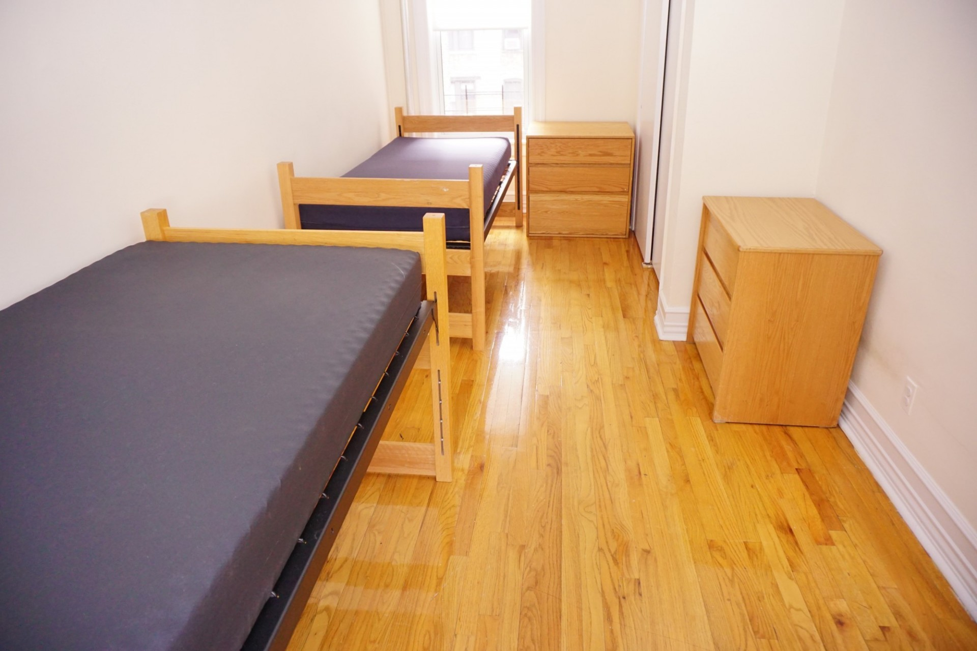 Sample of shared bedroom in a one-bedroom apartment share