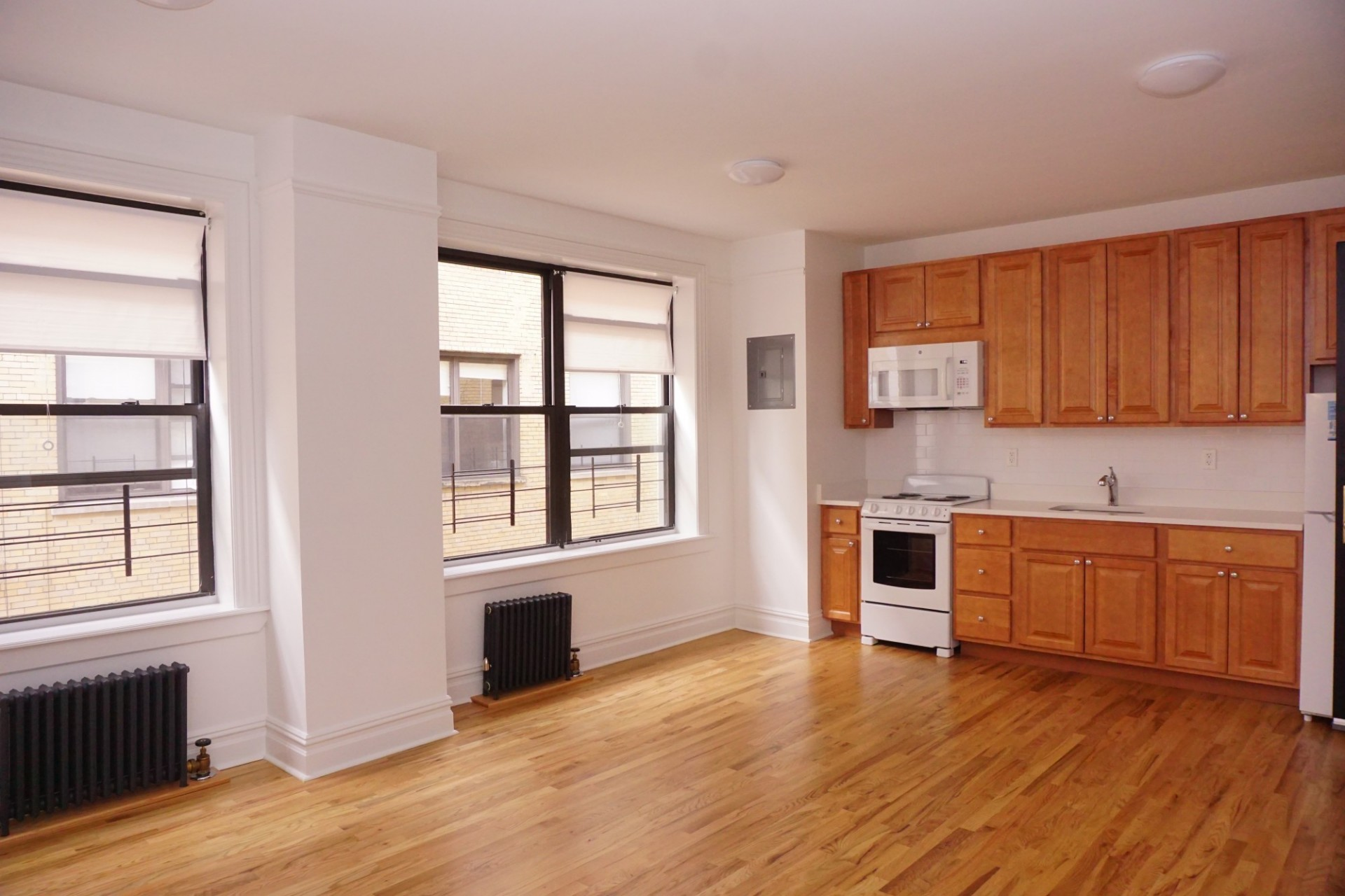 Example of a studio apartment - kitchen view